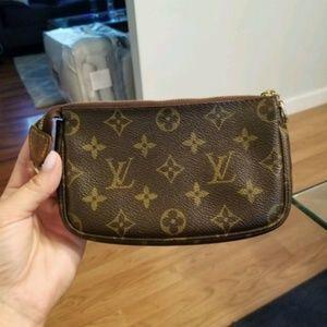 Louis Vuitton Other - Louis Vuitton Cosmetic Pouchette